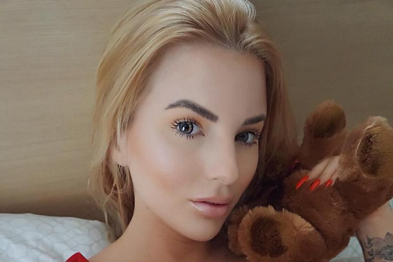 Micol ragazza italo-russa