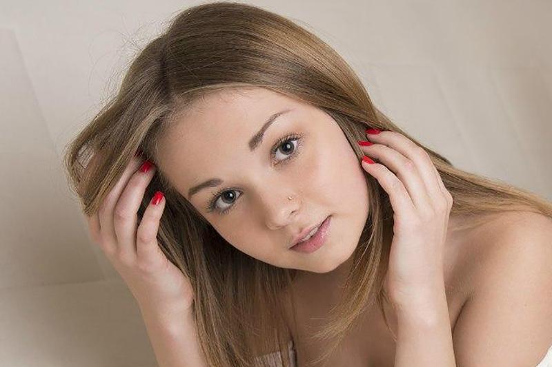 Melania ragazza rumena