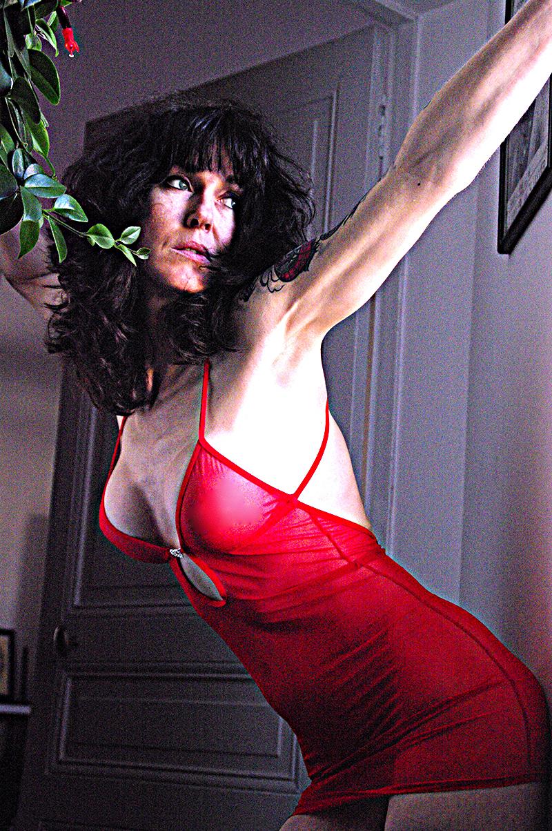 Camila in rosso