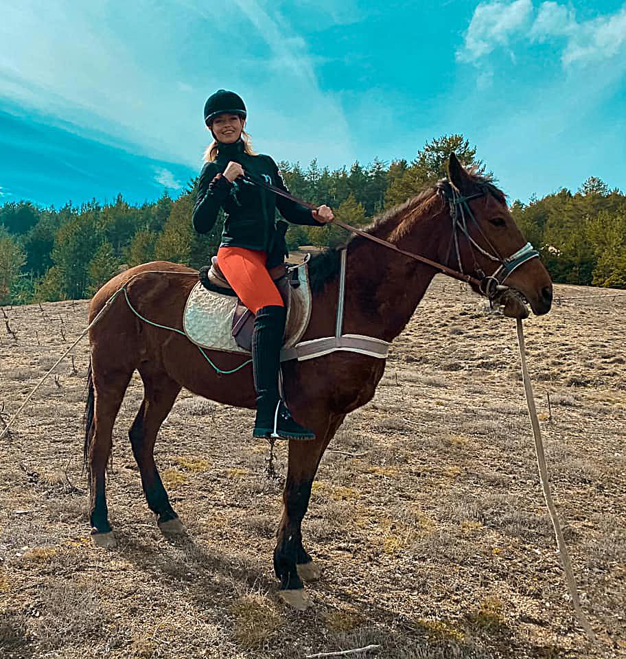 Carmela e il suo cavallo